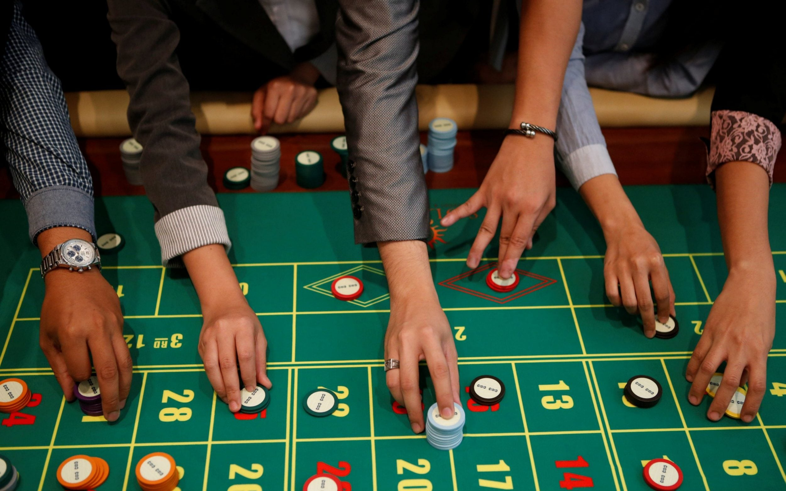 8 Reasons why people love to gamble