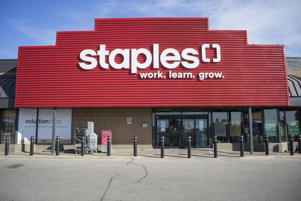 Staples Canada Innovates with Contactless Curbside Pickup and Rexall  Partnership