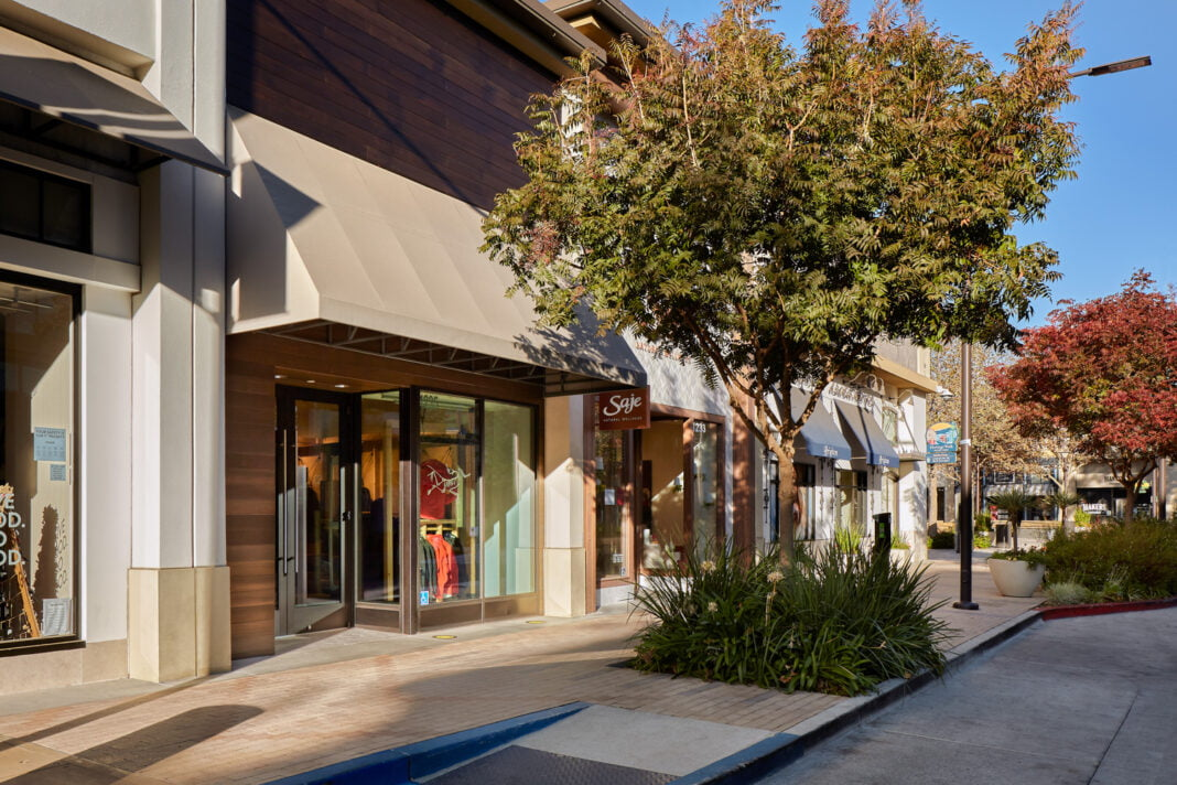 Exterior of new Arc'teryx Icon store in Walnut Creet, CA. Photo: Arc'teryx