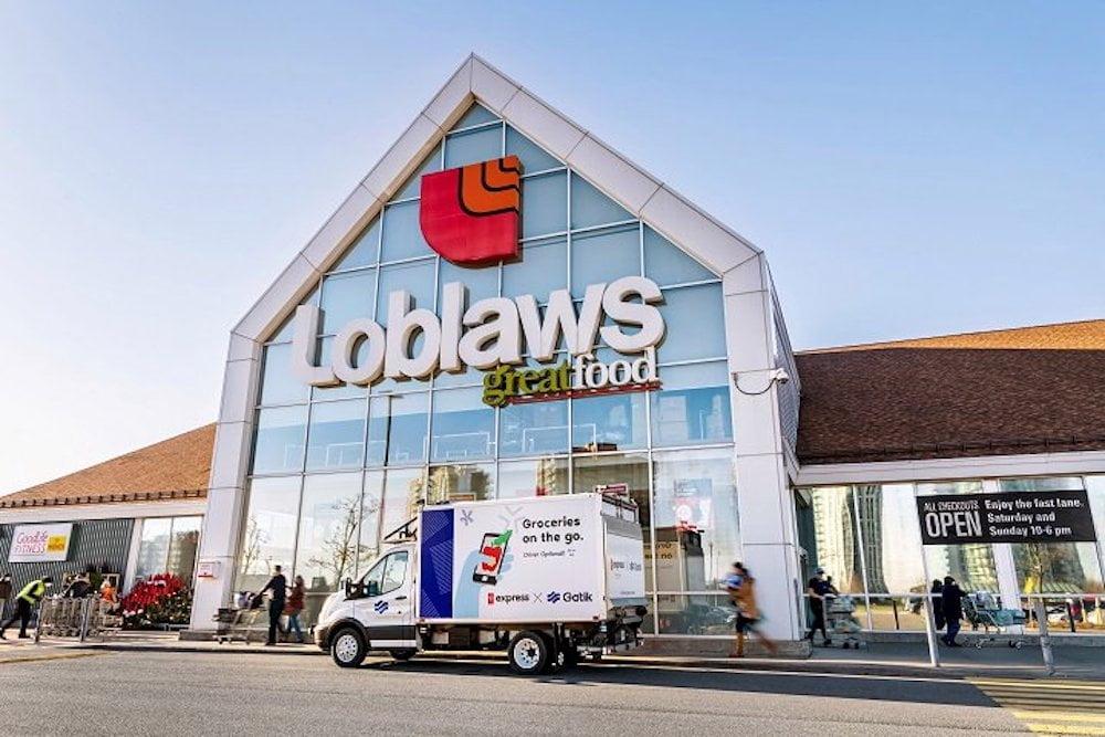 Loblaws autonomous vehicles outside Toronto Loblaws grocery store. Photo: Loblaws