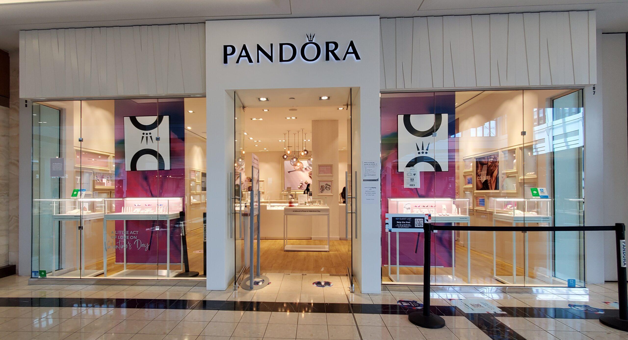Pandora at CF Richmond Centre
