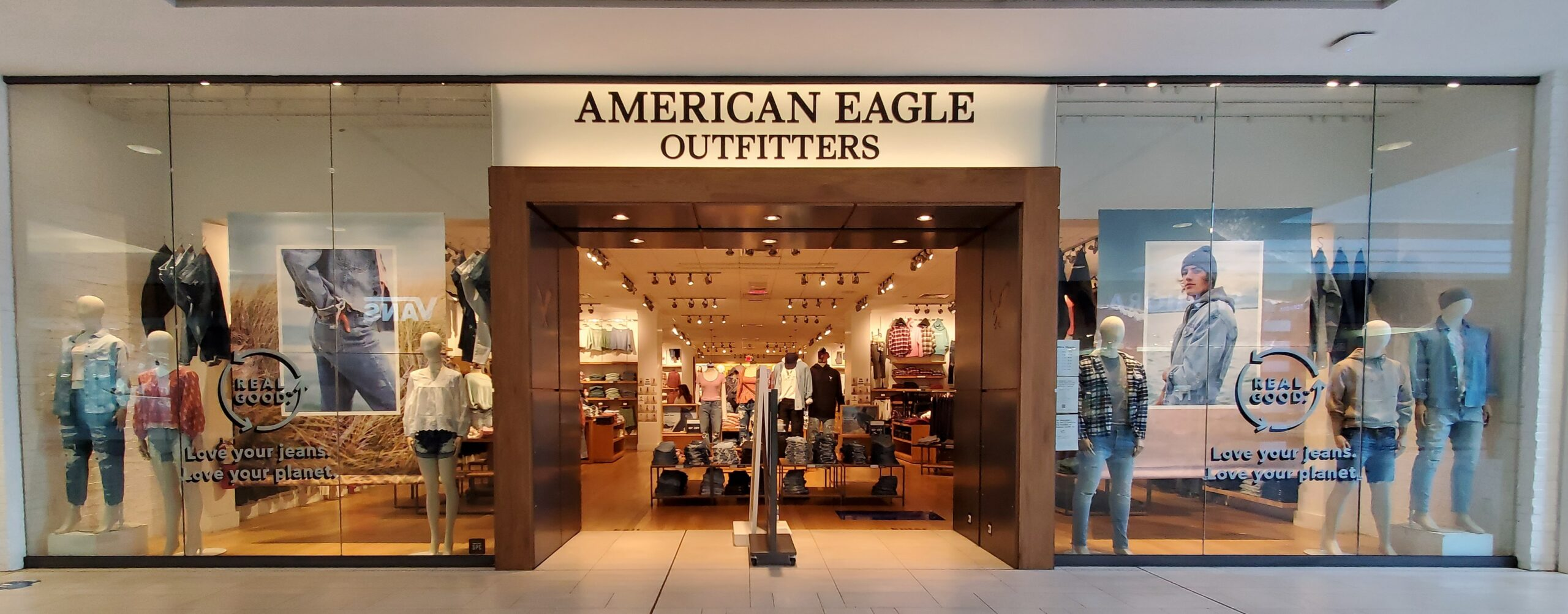 American Eagle Outfitters at CF Richmond Centre.
