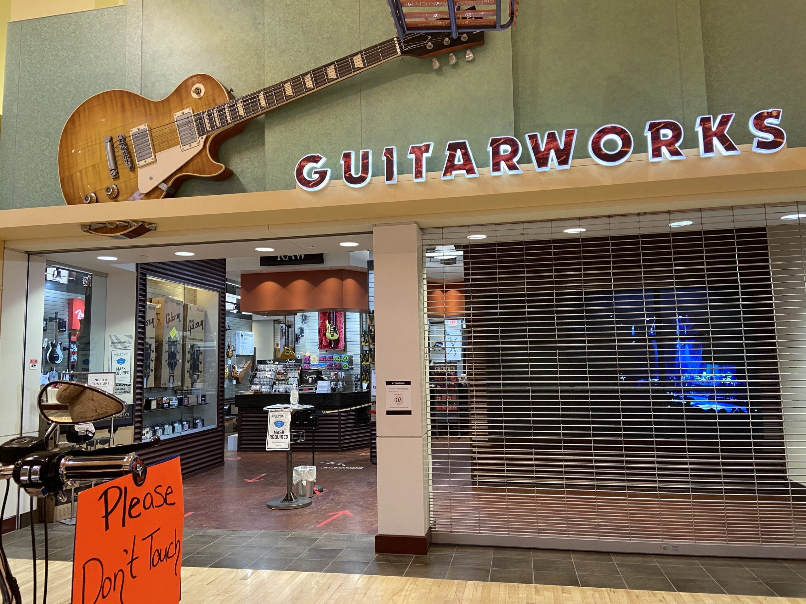 Guitarworks at CrossIron Mills