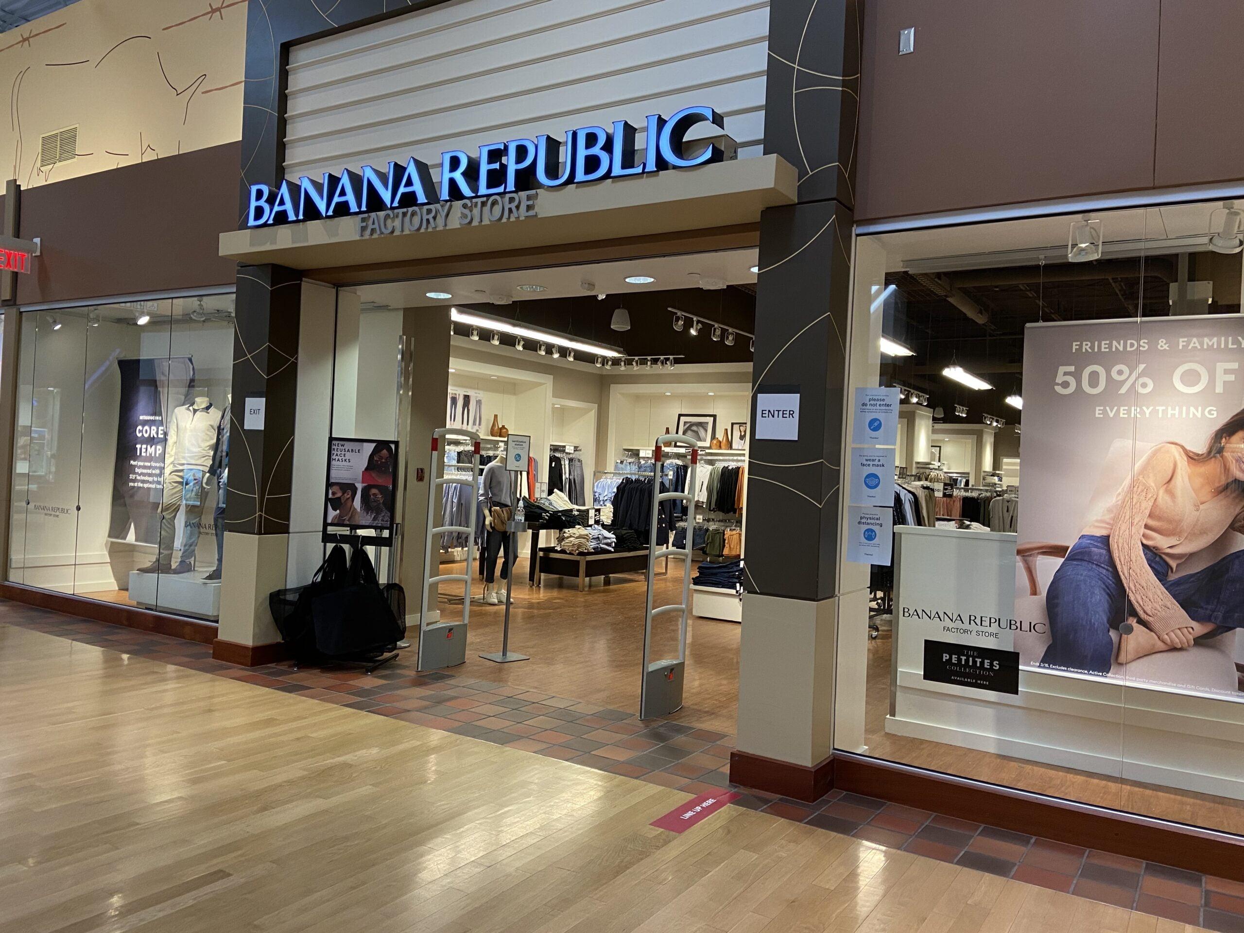 Banana Republic at CrossIron Mills