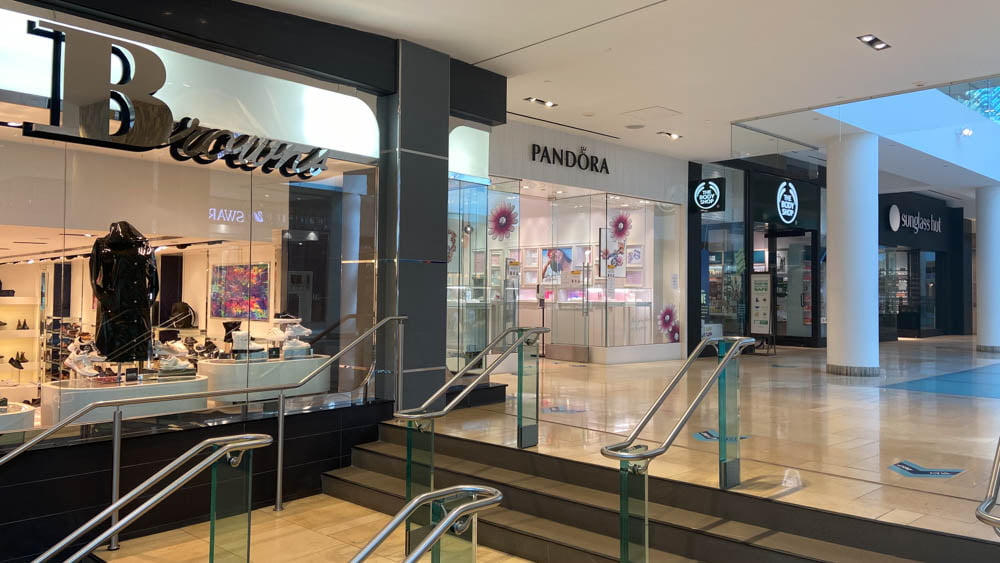 "Pandora, The Body Shop and Sunglass Hut at ""The Core"" in Calgary"