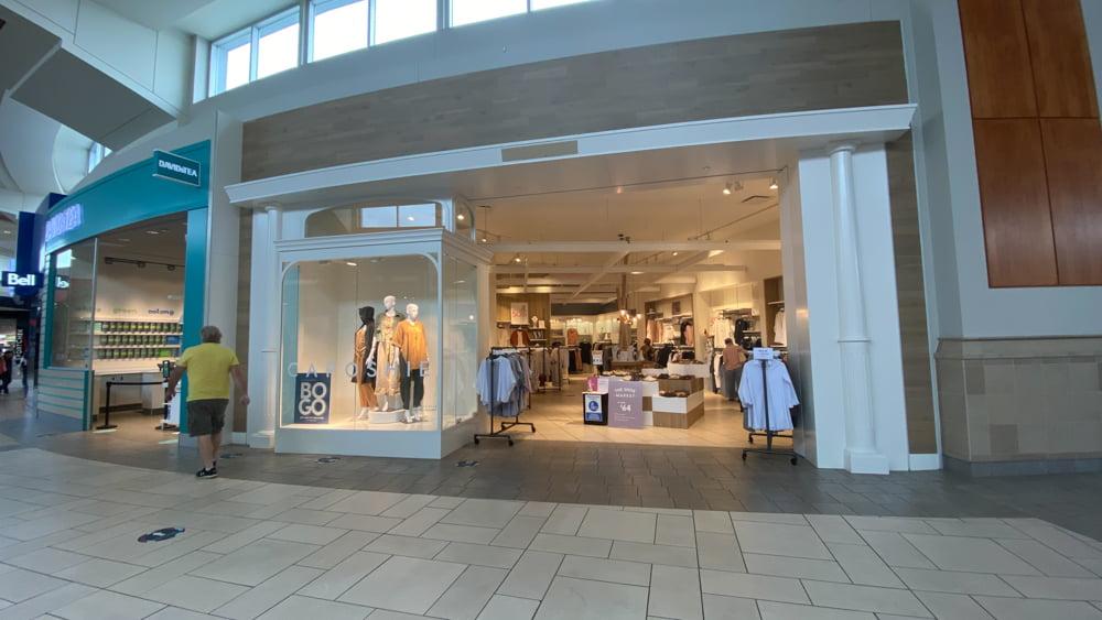 Caposhie at CF Market Mall