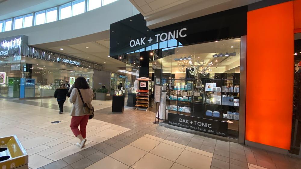 Oak + Tonic at CF Market Mall