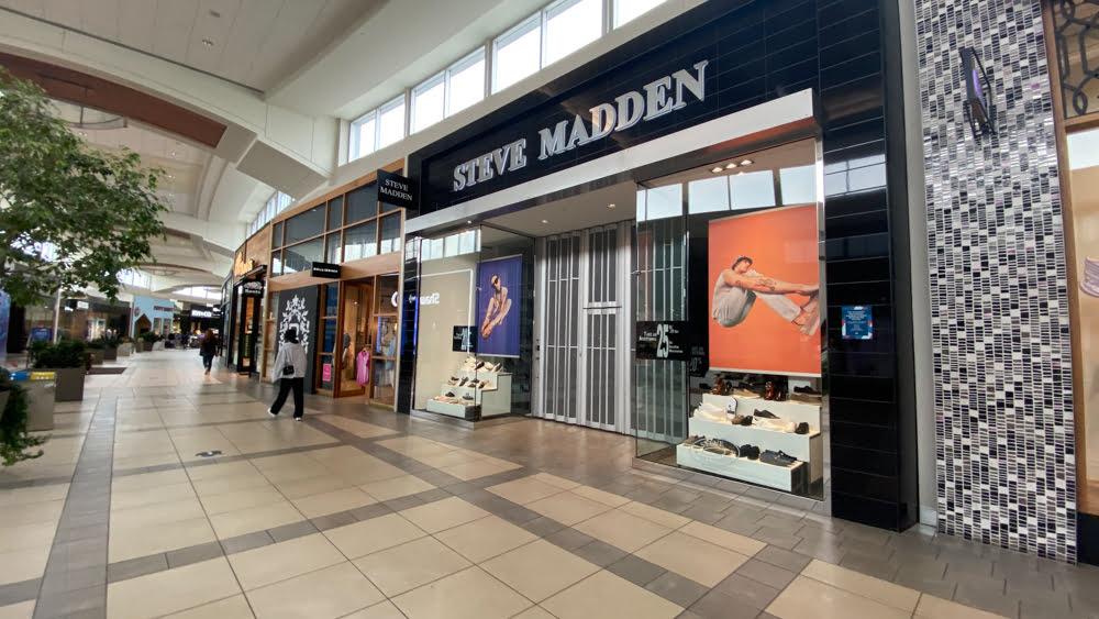 Steve Madden at CF Market Mall