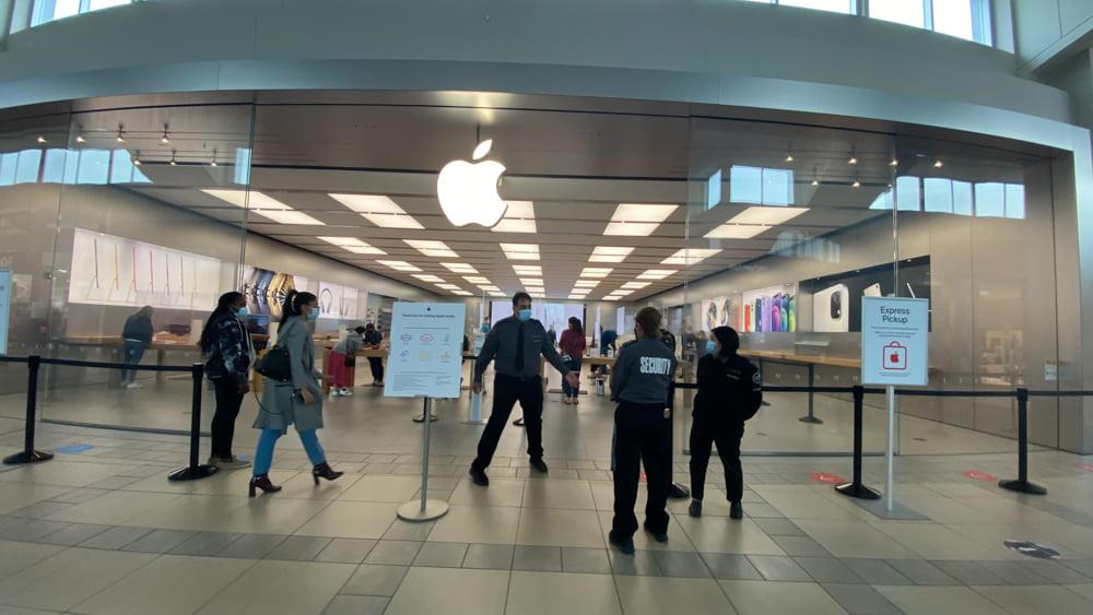 Apple at CF Market Mall