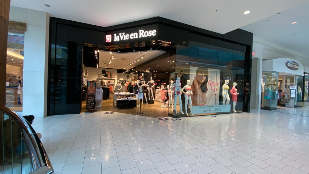 le Vie en Rose at SouthCentre Mall in Calgary