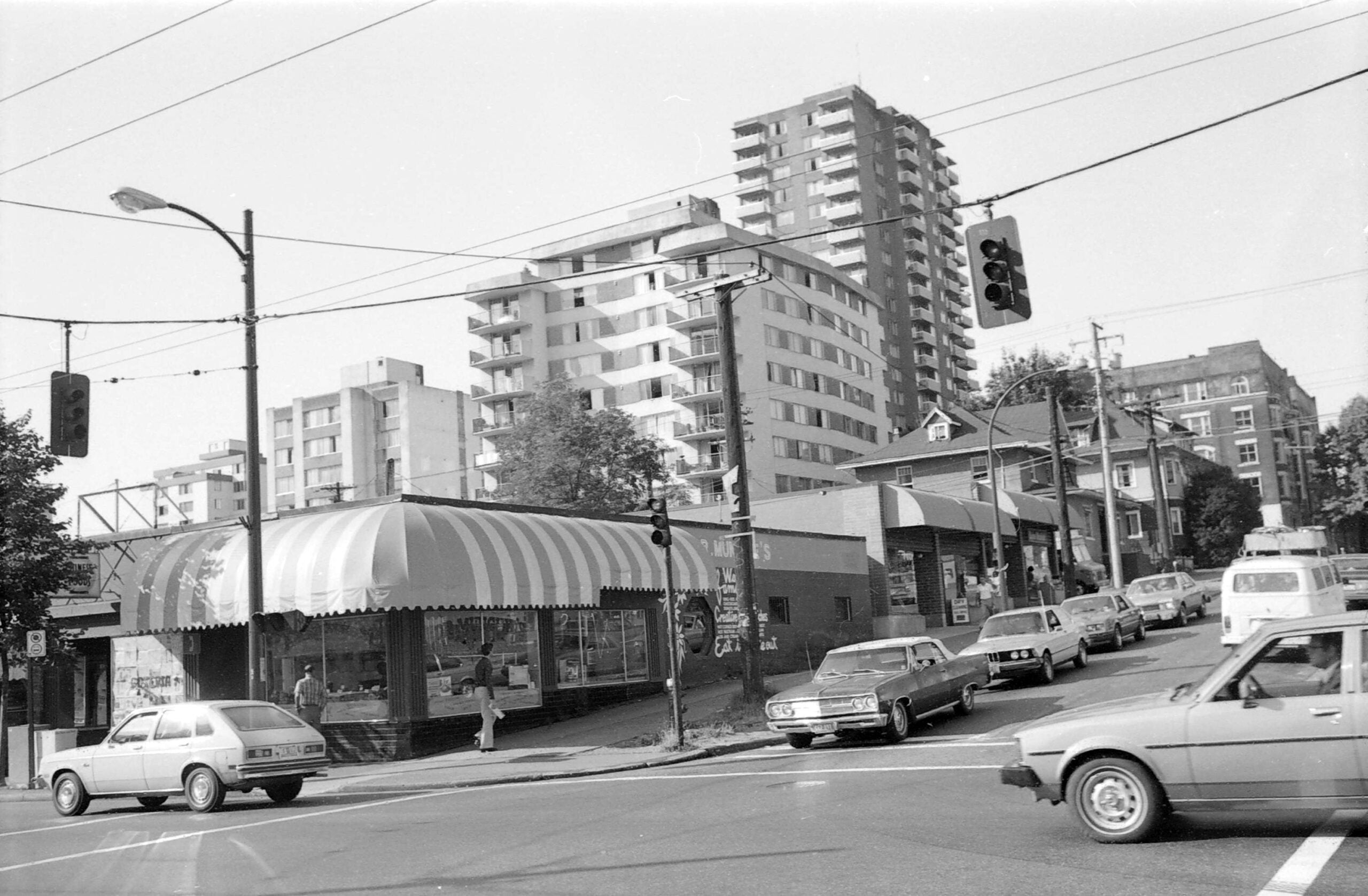 Historical Photo of Thurlow at Robson Street in 1981