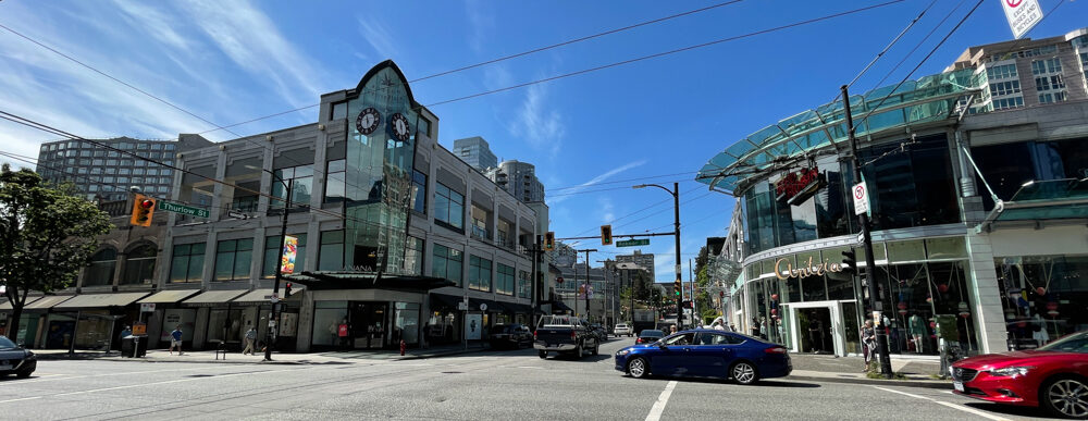 Robson Street and Thurlow Street intersection in Vancouver (June 2021)