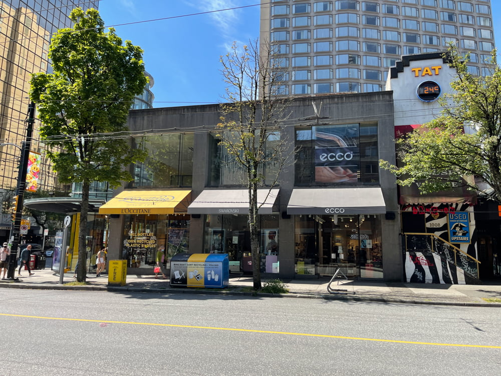 L'Occitane, Swarovski and Ecco Shoes on Robson Street in Vancouver (June 2021)