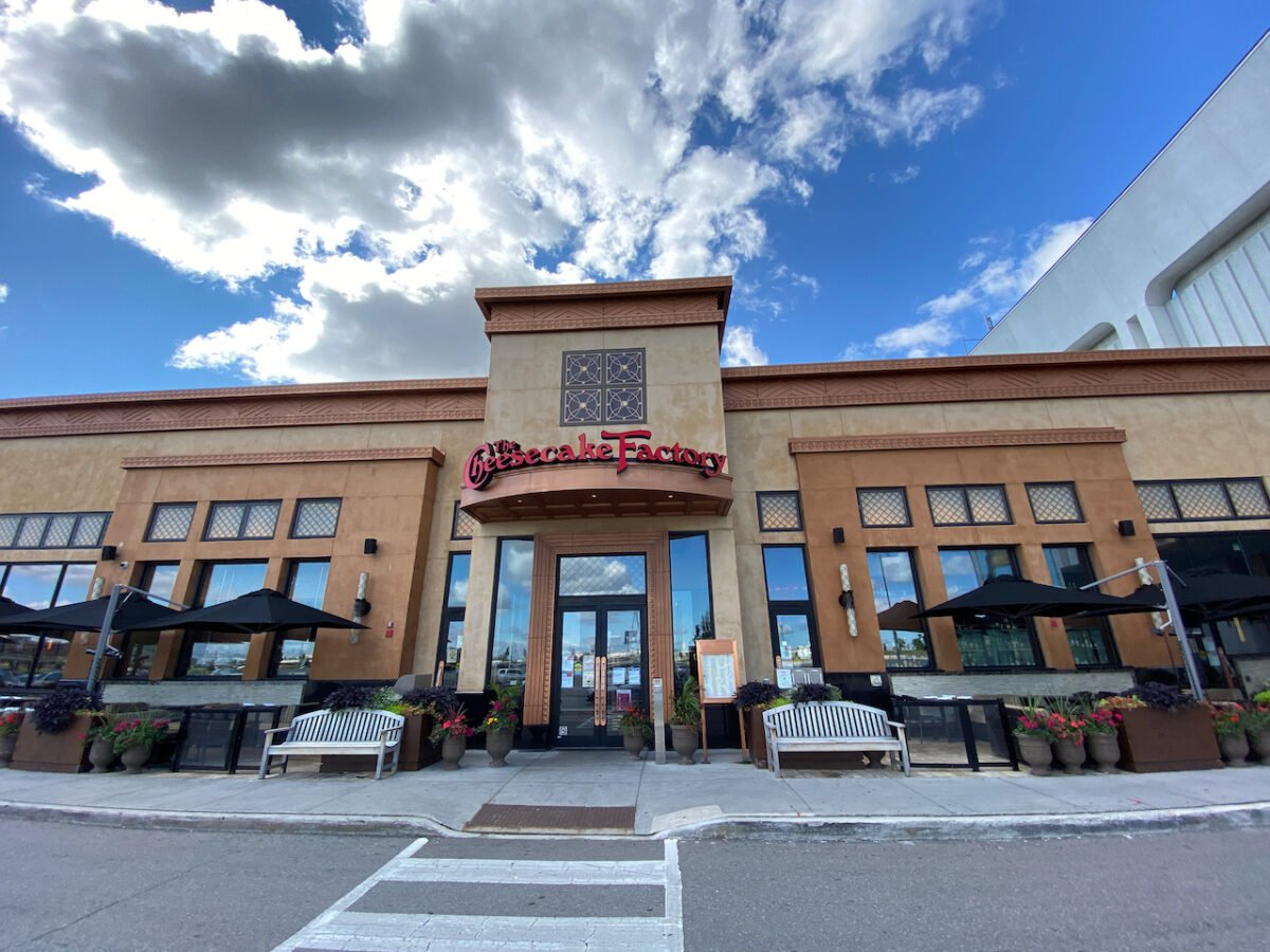 Cheesecake Factory at Yorkdale Shopping Centre