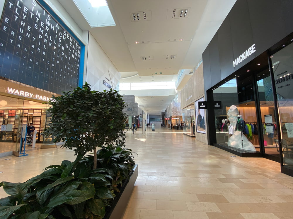 Warby Parker, Sando and Mackage at Yorkdale (March 2021)